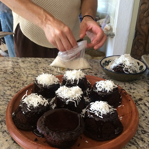 Raco-Life-Josie-Dressing-Cupcakes-with-Coconut